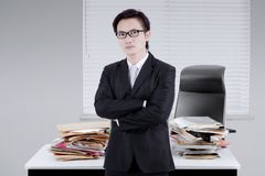 Male manager looks confident in the office Royalty Free Stock Photography