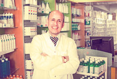 Male  working in chemist shop Royalty Free Stock Photography
