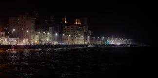 Malecon在中央哈瓦那在晚上,古巴 库存图片