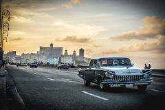 Malecon widok z losem angeles Havana przy tłem, rocznikiem lub retro stylem, Zdjęcie Royalty Free