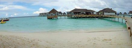 Malediven nehmen - Panoramaansicht vom Strand Zuflucht Lizenzfreies Stockbild