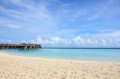 Maledivischer weißer Strand Lizenzfreie Stockfotografie