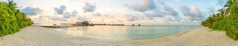 Maledivisches Sonnenaufgangpanorama Stockfotografie
