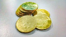 Maleisië 50 cent gouden muntstuk royalty-vrije stock afbeeldingen