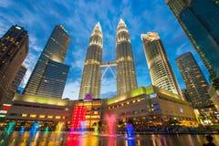 Maleisië - 12 Februari 2017:: Het symbool van de Petronastoren van Kuala lum Stock Afbeeldingen