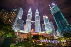 Maleisië - 12 Februari 2017:: Het symbool van de Petronastoren van Kuala lum Stock Foto