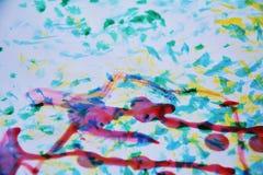 Malender abstrakter Hintergrund mit blauem Rot färben Formen gelb Lizenzfreie Stockbilder