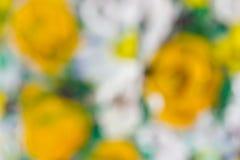 Malendes Bild von blühenden Blumen stockbild
