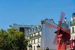 Maler berömt rött för Moulin rougekabaret på Juni 5 I Royaltyfri Foto