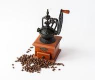 Maler manuellt kaffe för tappning Arkivbilder