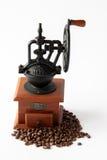 Maler manuellt kaffe för tappning Royaltyfria Bilder