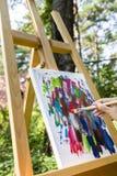 Malerei mit Acrylfarben Lizenzfreie Stockfotografie