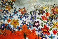 Malereiblume auf der alten Wand durch Kinder in Bangkok, Thailan Lizenzfreie Stockfotografie