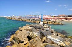 Malerische Ansicht über schönen Strand in Marina di Pisa, Italien stockfoto