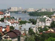 Malerische Ansicht des Flusses und der Stadt von Voronezh Lizenzfreie Stockbilder