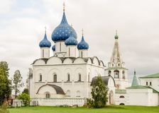 Malerische Ansicht des Suzdal der Kreml, Russland Goldener Ring von Russland Lizenzfreie Stockfotos