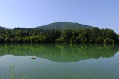 Malerische Ansicht von die Drau-Fluss in Lavamund, Kärnten, Österreich lizenzfreies stockbild