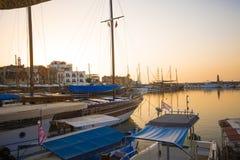 Malerische Ansicht von Kyrenia-Hafen in Zypern stockfoto