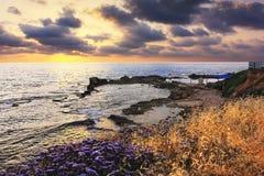 Malerische Bucht in Achziv, Nationalpark von Israel Stockfoto