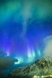 Malerische einzigartige Nordlichter Aurora Borealis Over Lofoten Islands im nördlichen Teil von Norwegen Lizenzfreie Stockfotos