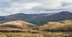 Malerische herbstliche Ansicht der großen Schlucht oder des Glen Mores stockbilder