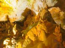 Malerische Karstfunktionen belichtet in der Höhle, Postojna-grotte lizenzfreies stockbild