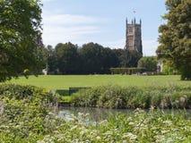 Malerische Kirche Cotswolds, Cirencester und Park Lizenzfreie Stockbilder