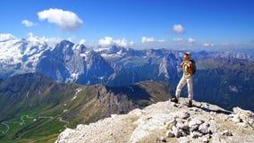 Malerische Landschaft mit Touristen. stockfotografie