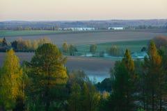 Malerische Landschaftslandschaft bis zum Frühjahr Lizenzfreie Stockfotografie