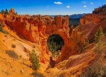 Malerische natürliche Brücke in Bryce Canyon National Park Lizenzfreie Stockbilder