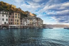 Malerische Sonnenuntergangansicht von Portofino, Italien lizenzfreies stockfoto
