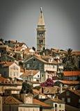 Malerische Stadt von Mali Losinj - vertikale Ansicht Stockfotografie