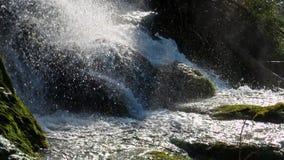 Malerische Wasserfalllandschaft im Plitvice See-Nationalpark stock video footage