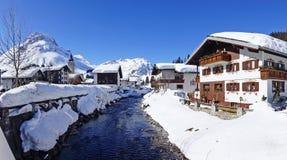 Malerische Winterlandschaft mit Fluss. Lech Stockbild