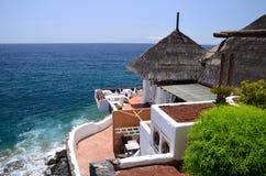 Malerischer Strandclub in Costa Adeje auf Teneriffa Lizenzfreie Stockfotografie