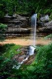 Malerischer Wasserfall Lizenzfreies Stockfoto