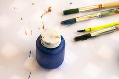 Malerpinsel getrennt auf Weiß lizenzfreies stockbild