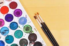 Malerpinsel und Aquarelle Stockbild