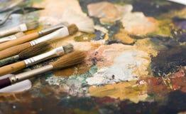 Malerpinsel und Palette Stockbild