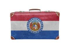 Maleta del vintage con la bandera de Missouri imagenes de archivo