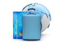 Maleta, tarjeta de crédito y globo de la tierra Foto de archivo libre de regalías