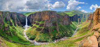 Maletsunyane baja en Lesotho África fotografía de archivo