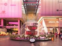Malezja, Kuala Lumpur - 2017 Grudzień 07: Pawilon robi zakupy mal Zdjęcie Stock