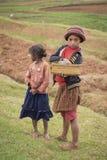 Malgasz dziewczyny na odpowiadają krajobraz Obraz Royalty Free