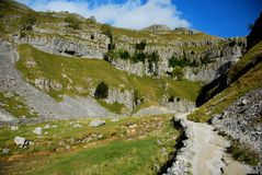 Malham Cove in the Yorkshire Dales National Park. North Yorkshire Stock Photo
