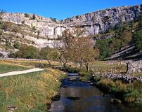 Malham Cove, Yorkshire Dales. View along the stream towards Malham Cove, Malham, Yorkshire Dales, North Yorkshire, England, UK, Great Britain, Western Europe Stock Photo