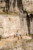 malham yorkshire för klättrarecovedalar royaltyfria bilder