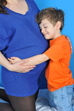 mali chłopiec kobieta w ciąży Zdjęcia Stock
