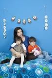 mali dzieciaków kobieta w ciąży Obraz Stock