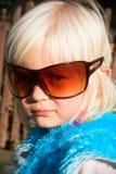 mali dziewczyna okulary przeciwsłoneczne zdjęcie stock